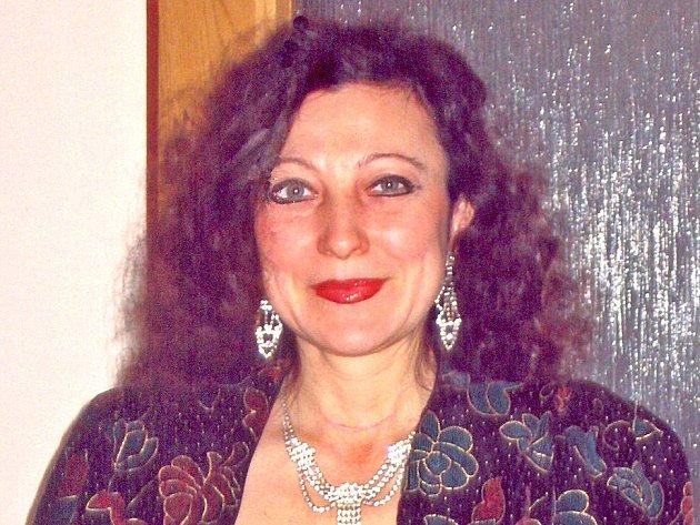 Halina Pilařová z Mladé Boleslavi (na snímku) se už dnes může usmívat.  Zachránila ji přitom úplně cizí žena, kterou teď hledá.