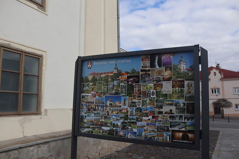 Na benáteckém Husově náměstí se natáčela řada filmů a seriálů.
