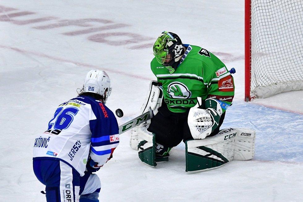 Hokejisté Mladé Boleslavi (v zeleném) si vyšlápli i na Brno