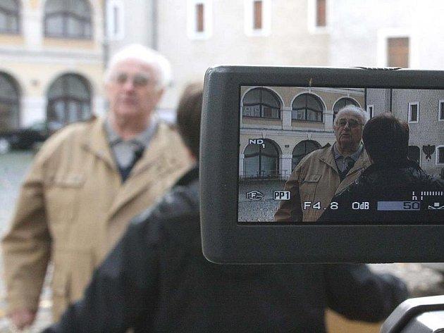 I na nádvoří mladoboleslavského hradu zavítal štáb, natáčející dokumenty o významných památkách Mladé Boleslavi.