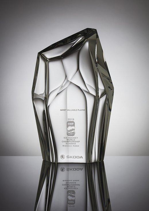 Nejužitečnější hráč mistrovství světa v hokeji získá trofej od Škoda Design.