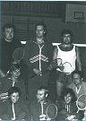 Průkopníci benáteckého badmintonu v 70. letech: Šubrt, Martinec, Kalkuš, Rákosník, Helisová, Keller, Slavíková, Kasal