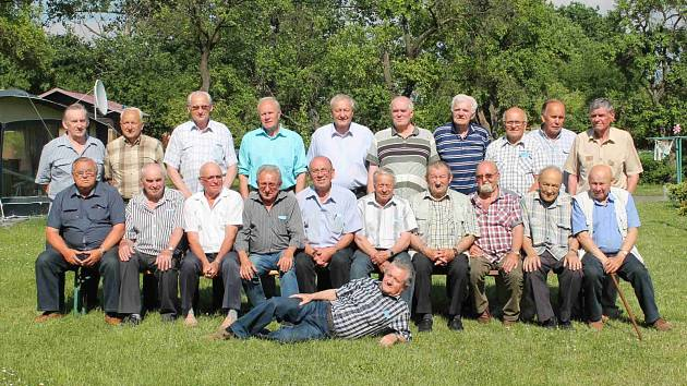 Studenti zemědělské školy se v Kosmonosech sešli po 54 letech