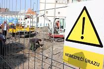 Archeologové provádějí průzkum před rekonstrukcí Staroměstského náměstí v Mladé Boleslavi.