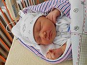 Anděla Málková se narodila 5. prosince, vážila 3,25 kg a měřila 49 cm. Maminka Žaneta a tatínek Ladislav si ji odvezou domů do Kosmonos, kde už se na ni těší sestřička Anežka.