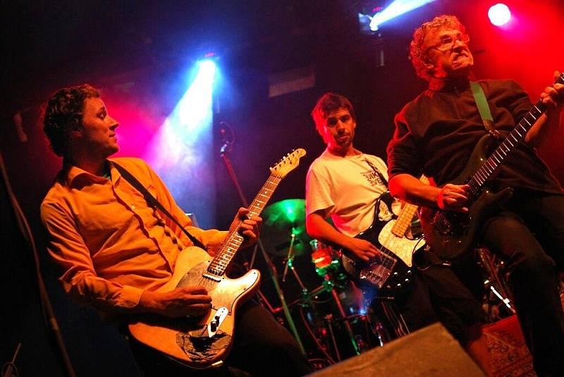 Wohnout      20.8.2010 Loděnice Music klub Benátkyn/J