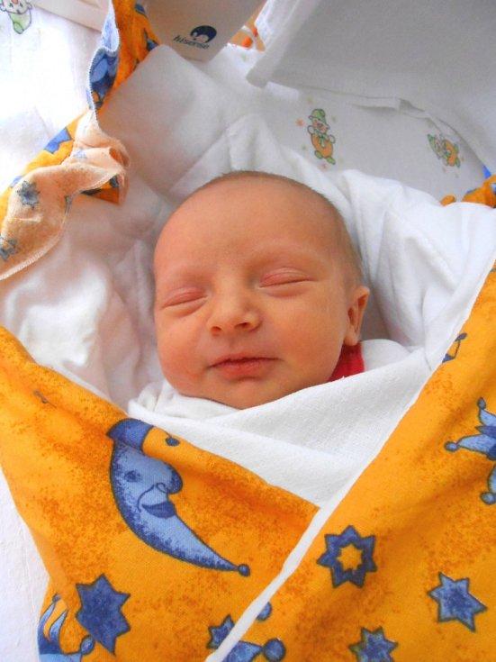 NIKOLA Kerplová se narodila 15. listopadu mamince Ivaně a tatínkovi Miroslavovi. Vážila 2,86 kg a měřila 47 cm.