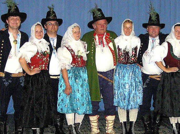 Valašský soubor písní a tanců Beskyd ze Zubří.