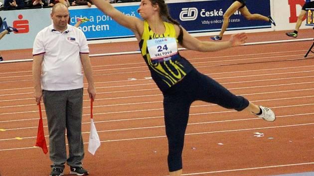 Mladoboleslavská koulařka Marta Valtová byla v Praze jediný centimetr od čtvrté příčky.