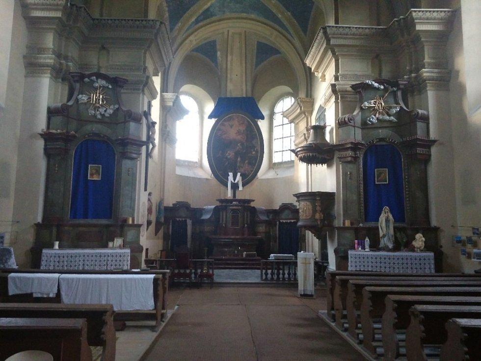V kostele sv. Mikuláše v Horkách nad Jizerou.