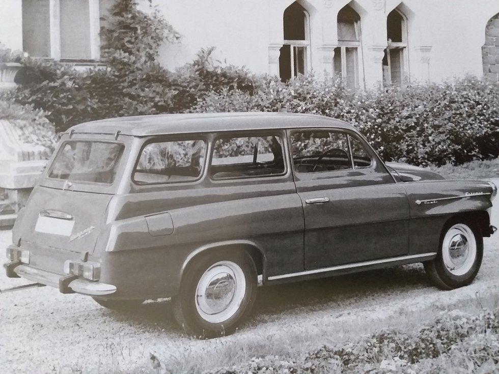 Vzhled Octavie combi model 1970. Automobil získal obdélníkové zadní svítilny řady Š 100.