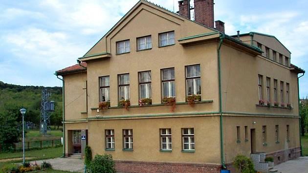 Základní škola Horní Stakory.