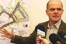 Náměstek primátora Mladé Boleslavi Adolf Beznoska oznámil, že se jeho týmu podařilo přiblížit k zisku až 400 milionů korun z Evropské unie pro naše město v rámci IPRM.