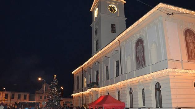 Z rozsvícení vánočního stromu v Mnichově Hradišti.