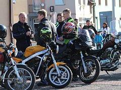 Motocyklisté v sobotu v Benátkách nad Jizerou ukončili letošní sezónu