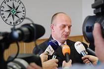 Tisková konference Policie ČR Mladá Boleslav k případu podvodů na internetu.