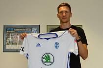 Milan Škoda podepsal smlouvu v Mladé Boleslavi