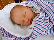 Antonín Kout se narodil 6. ledna, vážil 3,05 kg a měřil 50 cm. Maminka Jarmila a tatínek Adam si ho odvezou domů do Lhotek.