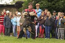 Součástí programu bude také ukázka výcviku policejních psů