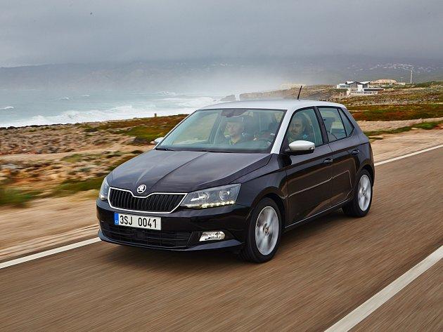 Škoda Fabia třetí generace má perfektní jízdní vlastnosti i neotřelé možnosti individualizace. V krátkém provedení je už na trhu, ve verzi combi se začne prodávat po Novém roce.