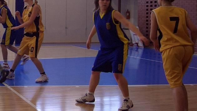 Basketbalové žákyně Auto Škody zvítězily rozdílem třídy na palubovkách soupeřek.