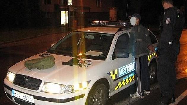 Zadržený pachatel strážníky městské policie