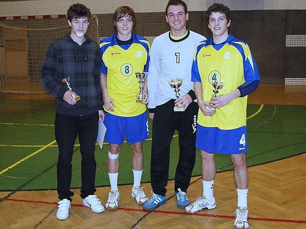 Ocenění házenkáři z  ankety Házenkář roku 2009 a Talent roku 2009 oddílu HC Auto Škoda Mladá Boleslav - zleva Karel Grůša, Adam Pavlíček, Marek Kuka, Jan Janhuba.