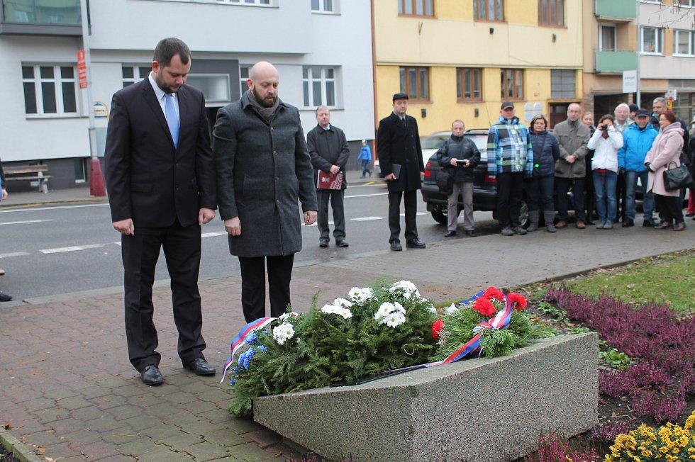 Události 17. listopadu na náměstí Republiky v Mladé Boleslavi