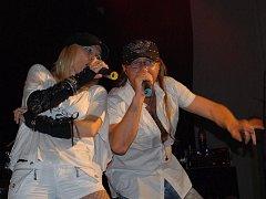 Koncert kapely W. I. X. a Hitmakers v Bezně.