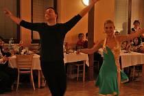 Závěrečný ples tanečních pro dospělé