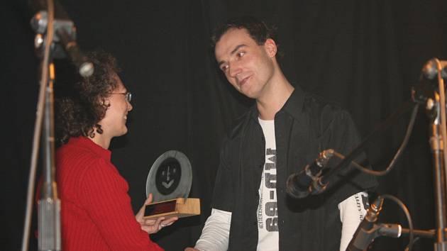 Filip Šubr se může chlubit dvojitým triumfem. Zvítězil v kategorii zpěvák i kapela roku. Druhé místo v kategorii zpěvák obsadil František Brunclík, třetí skončila Monika Karglová.