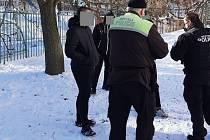 S neposlušnými fotbalovými fanoušky se utkala městská policie
