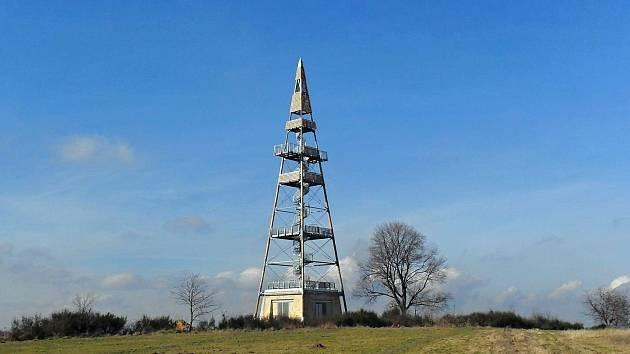 Rozhledna Čížovka měří 39,4 metru a po svém otevření nabídne výhled z několika pater.