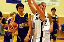 I. liga žen: Lokomotiva Karlovy Vary - Basket Slovanka Mladá Bolelsav
