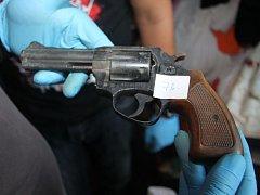 Policie zasahovala proti výrobcům drog v Bojeticích