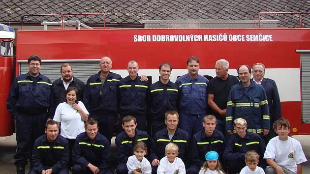 Nejstaršímu členu SDH Semčice je 86 let, nejmladší má 5 roků.