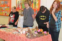 Školáci z 1. Základní školy v Mnichově Hradišti připravili pro návštěvníky vánoční jarmark