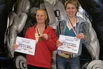 Boleslavské závodnice silového trojboje měly být na oblastních přeborech na co pyšné. Aloena Krčmářová (vlevo) vybojovala zlato a Denisa Šmejkalová (vpravo) bronz.