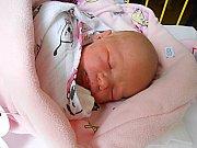 Emma Pršalová se narodila 10. prosince, vážila 2,96 kg a měřila 47 cm. Maminka Tereza a tatínek Ladislav si ji odvezou domů do Čisté, kde už se na ni těší sourozenci Natálie a Tadeáš.
