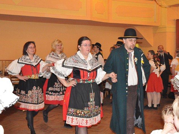 Ples v Nové Vsi u Bakova se povedl.