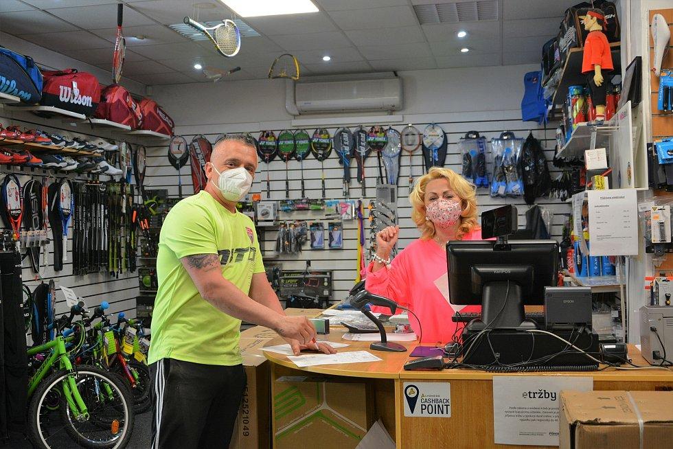 Mladá Boleslav. Řada maloobchodníků mohla v pondělí 10. května konečně otevřít