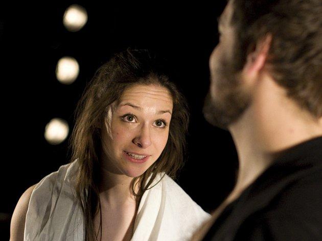 Veronika Kubařová v jedné ze svých nejlepších rolí.
