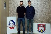 Cristian Savin (vpravo) vyzve v semifinále Christiana Lind Thomsena.