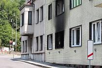 Následky výbuchu v Nádražní ulici v Čejetičkách