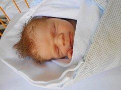 Miloslav Junek se narodil 26. března, vážil 3,81 kg a měřil 51 cm.