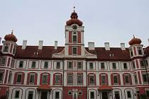 Zámek Mnichovo Hradiště, kde sídlí muzeum.