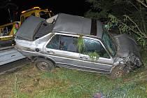 Dopravní nehoda na R10 u Bakova nad Jizerou. Osobní auto se kutálelo podél svodidel.