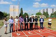 PÁTÁ ZÁKLADNÍ škola Mladá Boleslav se letos už podruhé zapojila do charitativní akce Run and Help aneb běhání, které pomáhá.