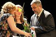 Šestý galavečer mladoboleslavského Městského divadla je minulostí. Alena Hladká, Petr Mikeska se stali nejoblíbenějšími herci, mezi inscenacemi kralovala Krás(k)a na scéně a do Síně sláby byl uveden bývalý umělecký šéf divadla Josef Kettner.