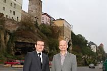 Člen představenstva Bohdan Wojnar a náměstek primátora Adolf Beznoska společně zahájili projekt revitalizace Ptácké ulice a stavbu mostu přes Jizeru u Česany,
